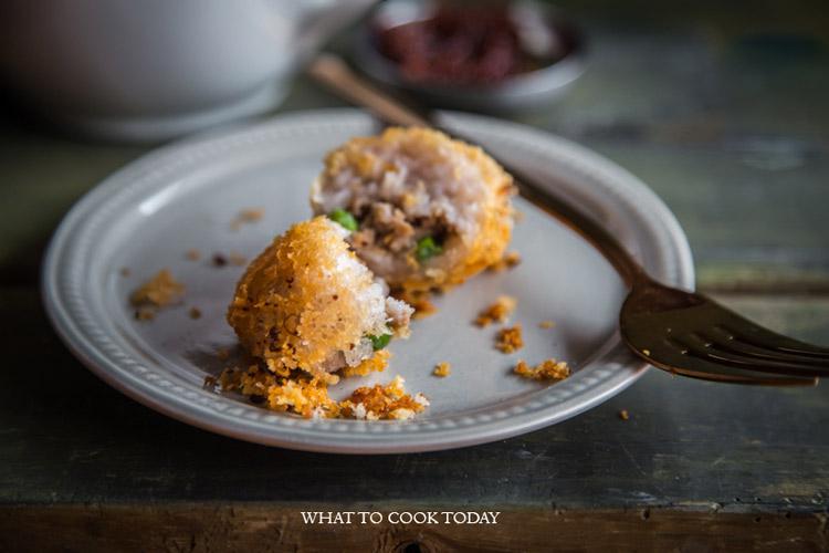Woo Kok (Fried Taro Puff)
