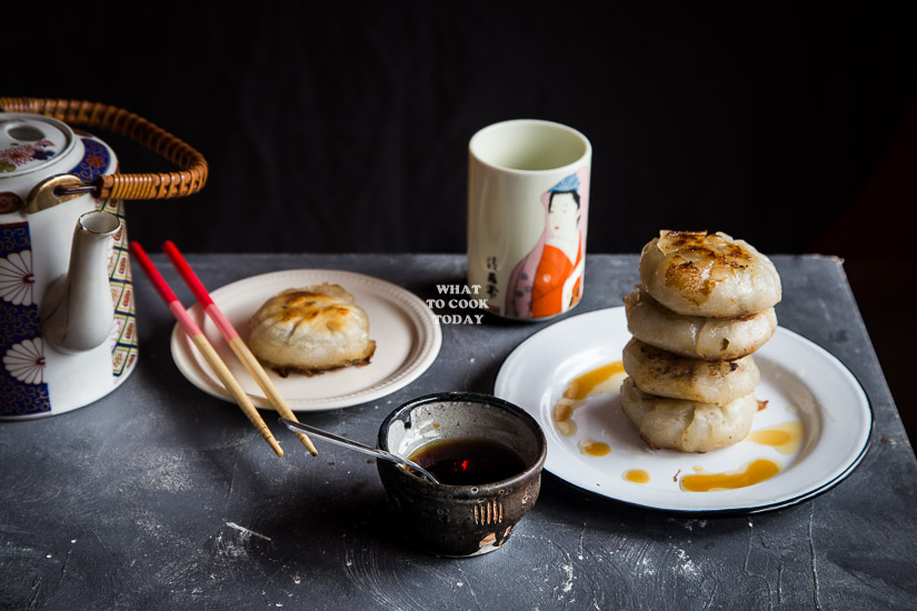 How to make Pan-fried Chives Cake Dumplings. Delicious Pan-fried Chives Cake Dumplings recipe. Popular Dim sum dish. Click through for full recipe and step by step instructions