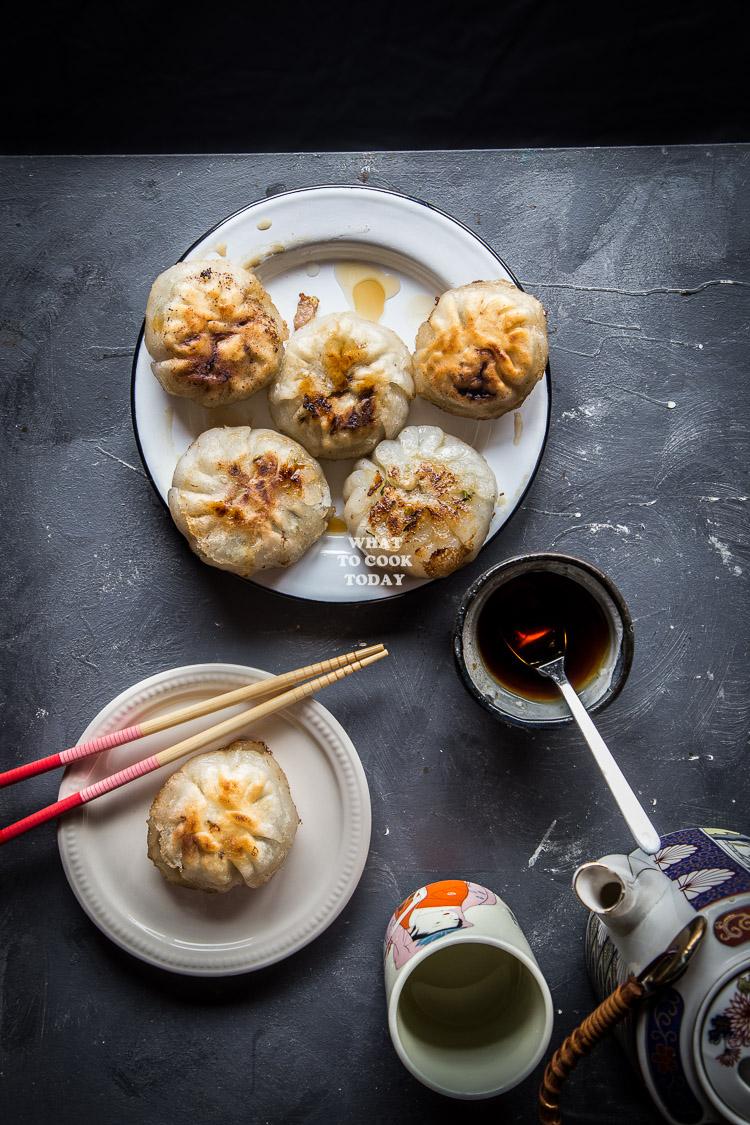 Pan Fried Chives Cake Dumplings