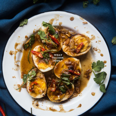 Khai Look Khoey (Thai Eggs with Tamarind Sauce)