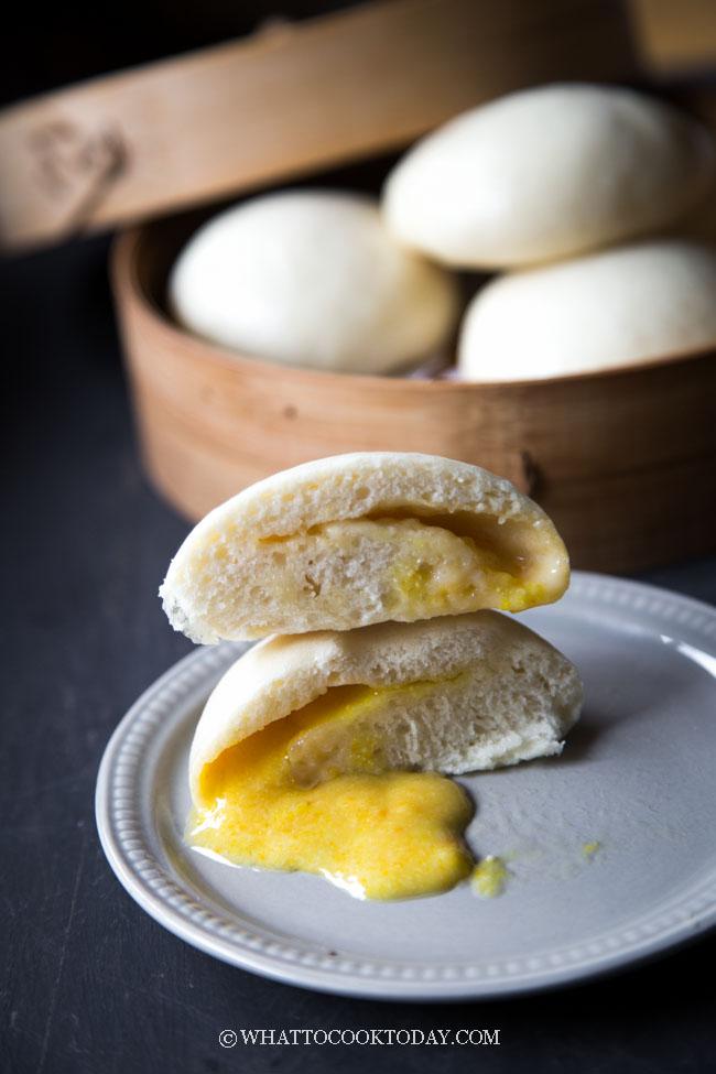 Liu Sha Bao (Salted Egg Yolk Lava Steamed Buns)