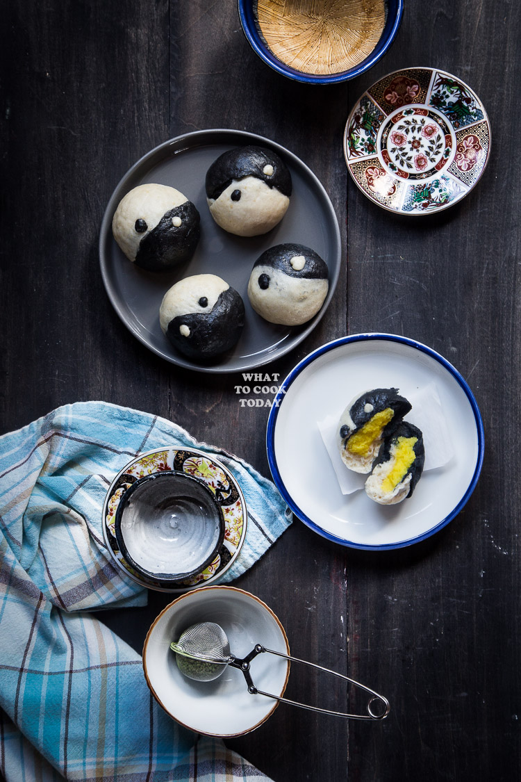 Yin Yang Sweet Mung Bean Paste Steamed Buns