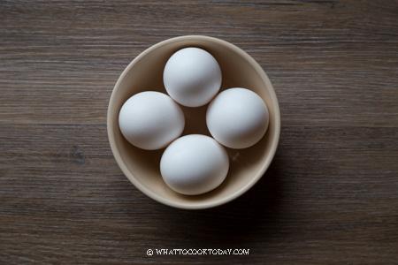 Singapore Coffee Shop Soft-boiled Eggs (Half-boiled Eggs)