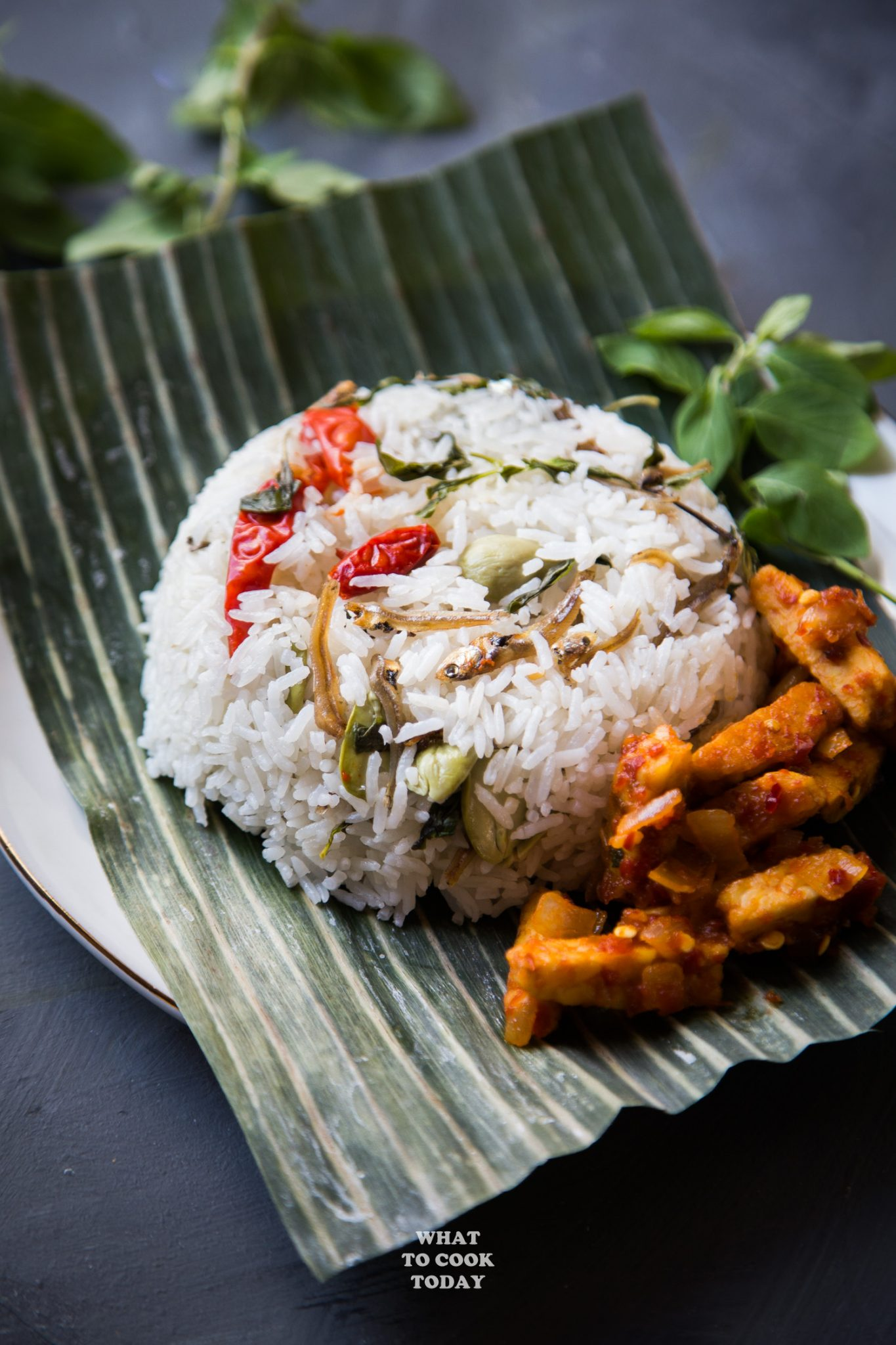 Nasi Liwet Sunda ( Indonesian Aromatic Spiced Coconut Rice) #rice #coconut #nasiliwet #indonesianfood