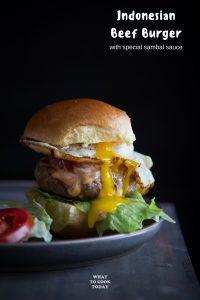 Burger Daging Sapi (Indonesian Beef Burger)
