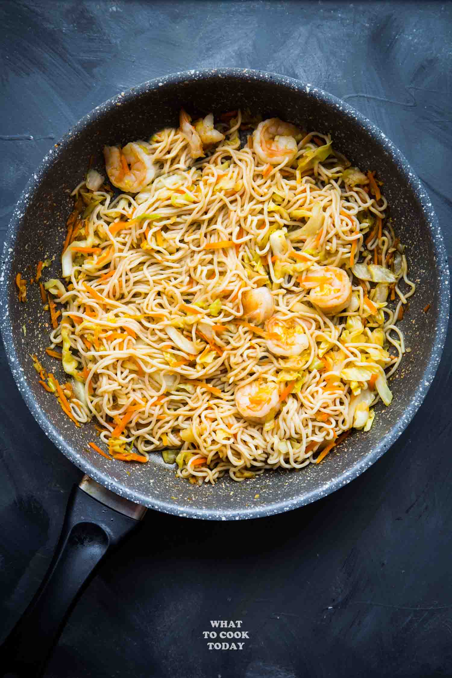 15-minute Stir-fried Shrimp Shirataki Noodles