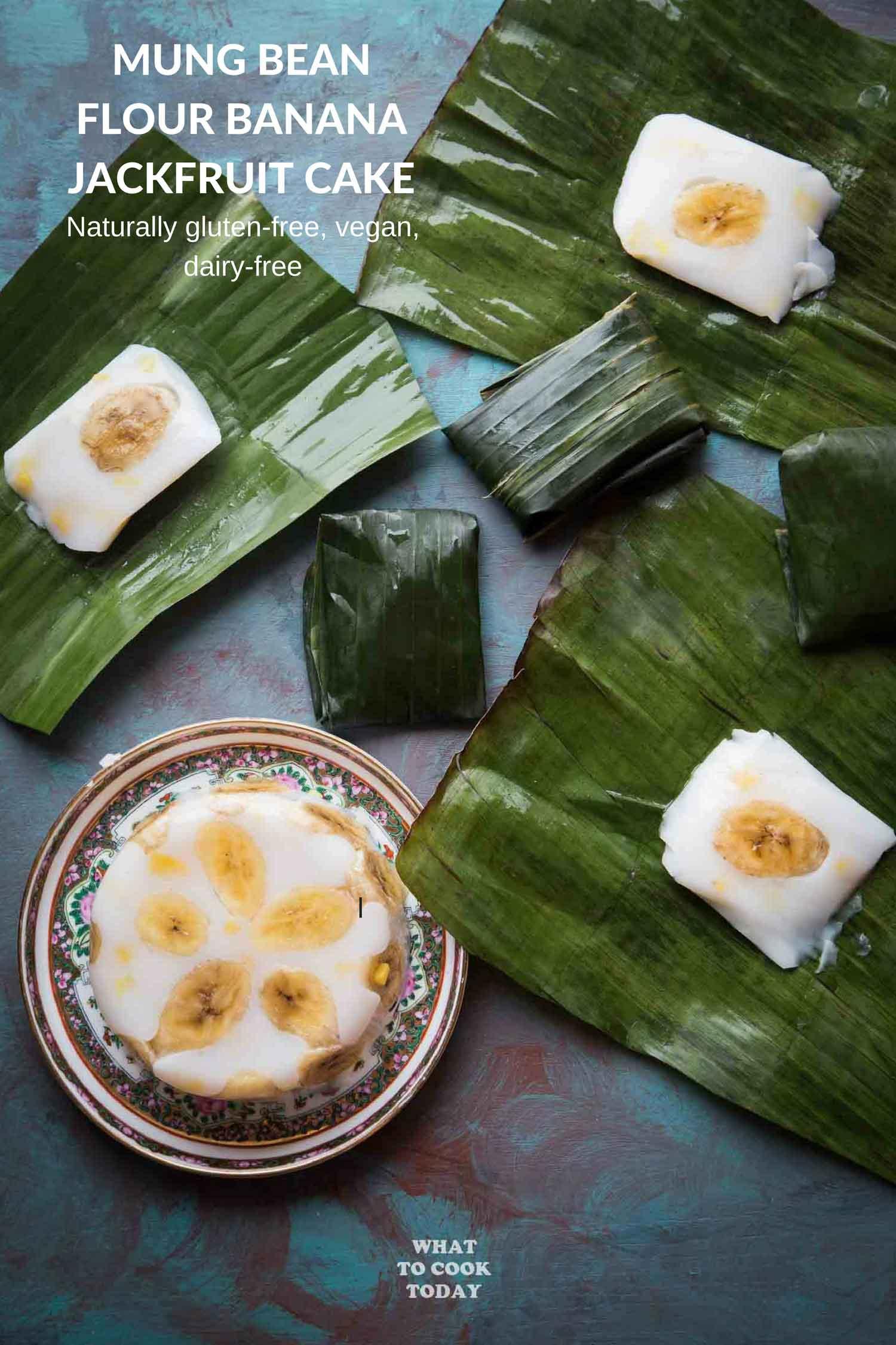 Hun Kwe Pisang Nangka (Mung Bean Flour Banana Jackfruit Cake) - Learn how to make soft and bouncy mung bean flour cake studded with sliced bananas and sweet jackfruit pieces wrapped in banana leaves (or not) #jackfruit #banana #glutenfree #mungbean #vegan #indonesianfood #dessert