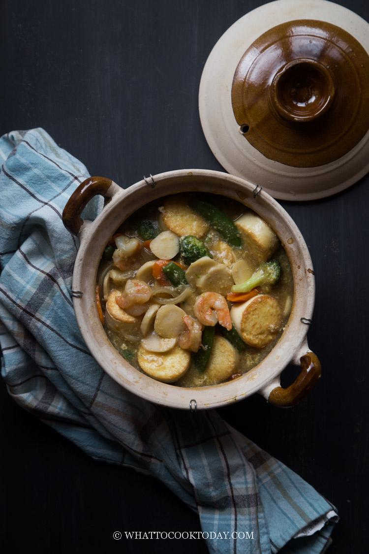 Sapo Tahu Seafood (Claypot Egg Tofu and Seafood)
