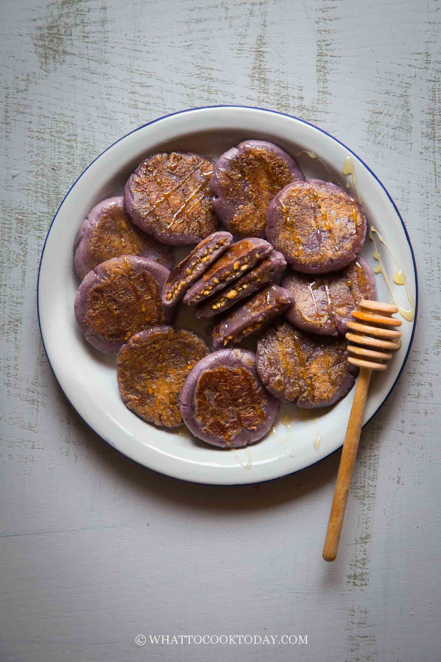 Purple Sweet Potato Mochi Cakes with Peanut Fillings