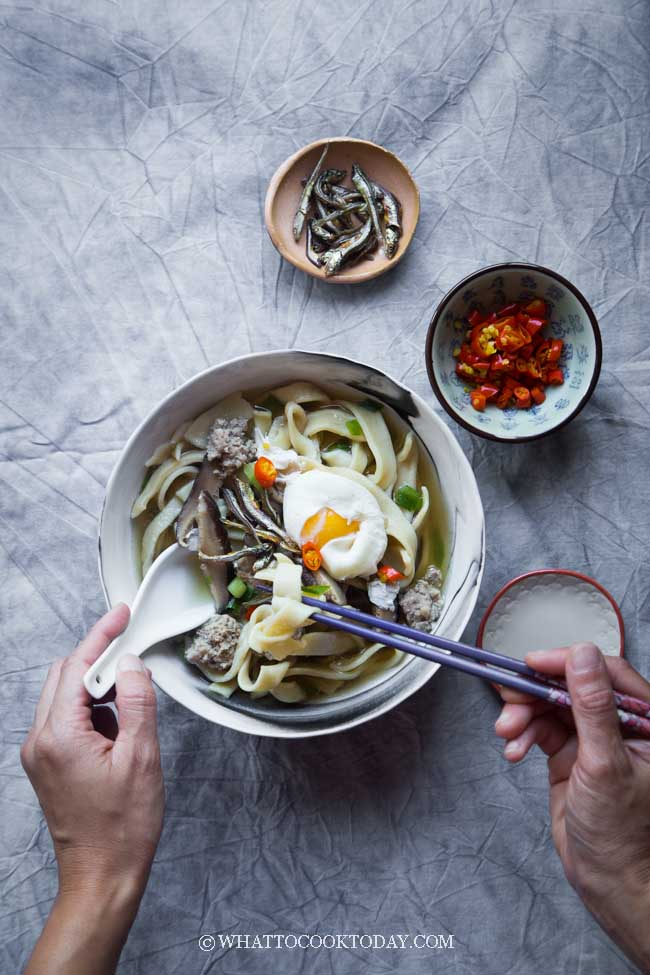 Ban Mian Minced Pork Noodle Soup (Flat Noodle Soup) - Easy homemade flat egg noodles are served in anchovies-based stock and served with minced pork, fried anchovies, and poached egg.