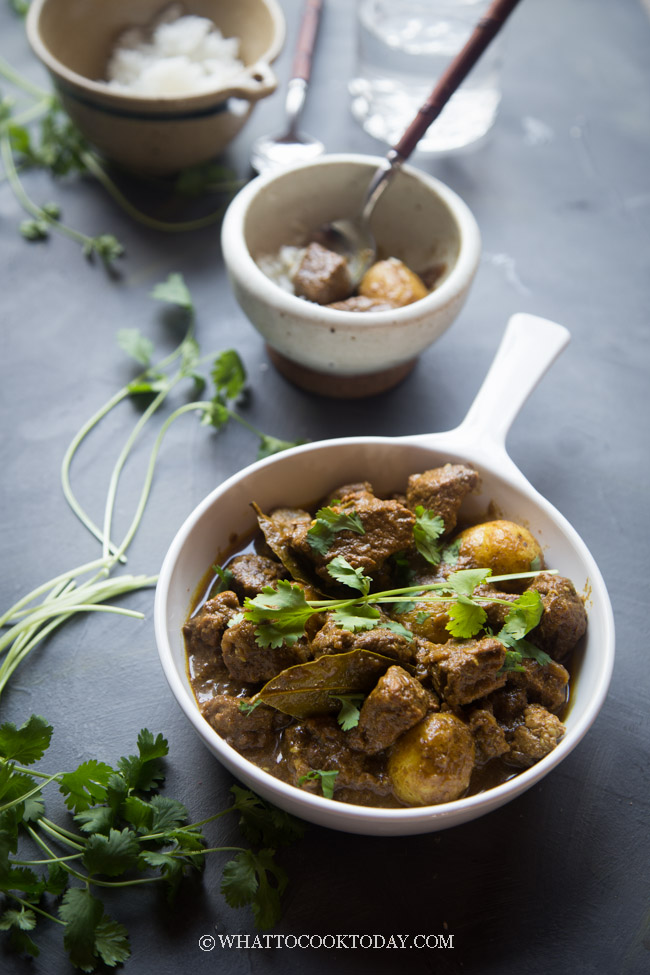 Pressure Cooker Burmese Beef Potato Curry