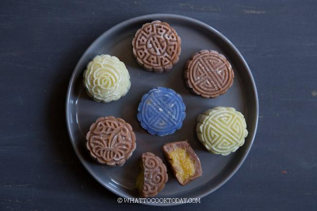Mochi mooncakes (assorted flavors)