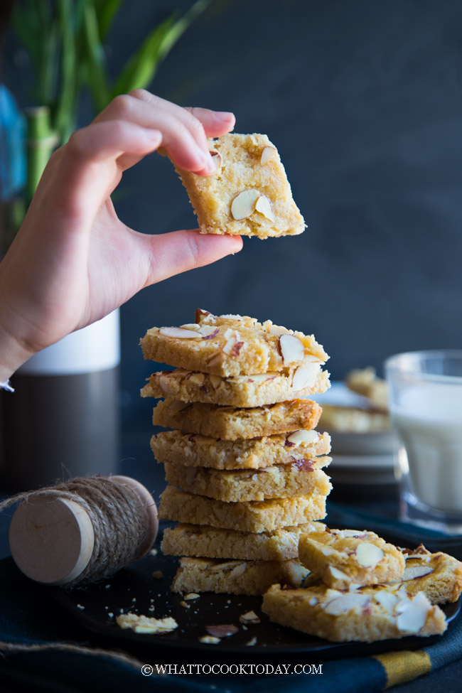Jan Hagel Koekjes (Cinnamon Almond Dutch Cookies). Incredibly delicious and easy to make Jan Hagel Dutch Cookies are one of our Christmas cookies staples. Perfect as baked good gifts this Christmas #janhagel #christmascookies #koekjes #dutchcookies #holidaycookies #cookies