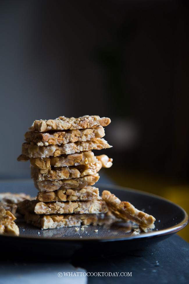 Easy Sesame Peanut Brittle (Teng Teng Kacang)