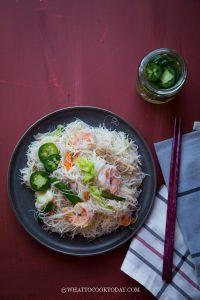 Stir-fried Seafood White Bee Hoon (炒白米粉)