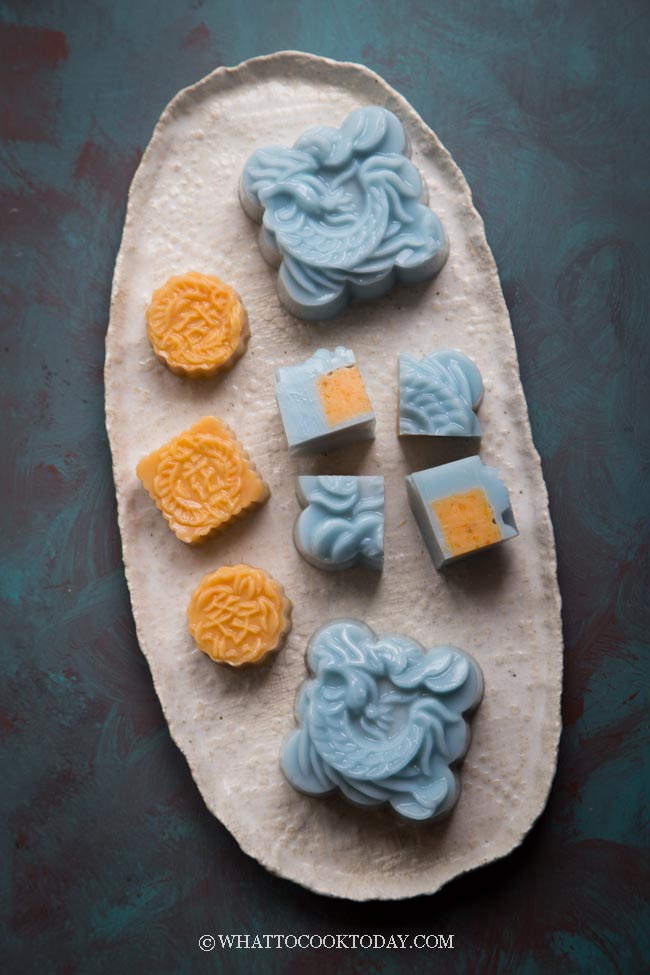 Butterfly Pea Flower Agar Agar Mooncake (with Sweet Potatoes filling)