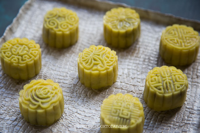Mung Bean Paste Cake (with Dou Sha Filling)