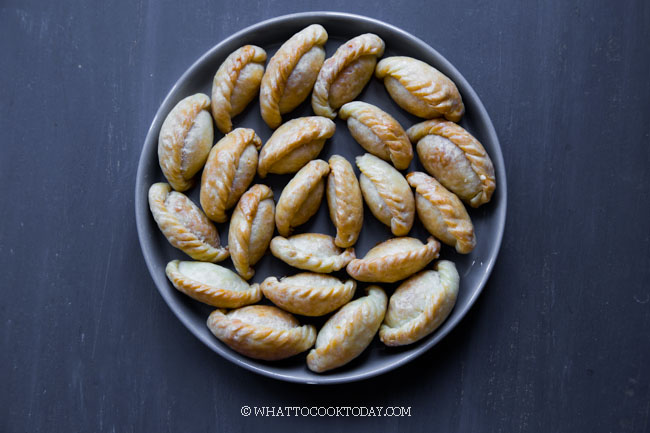 Mini Kok Cai (Chinese Crispy Peanut Puffs) - Baked or Fried