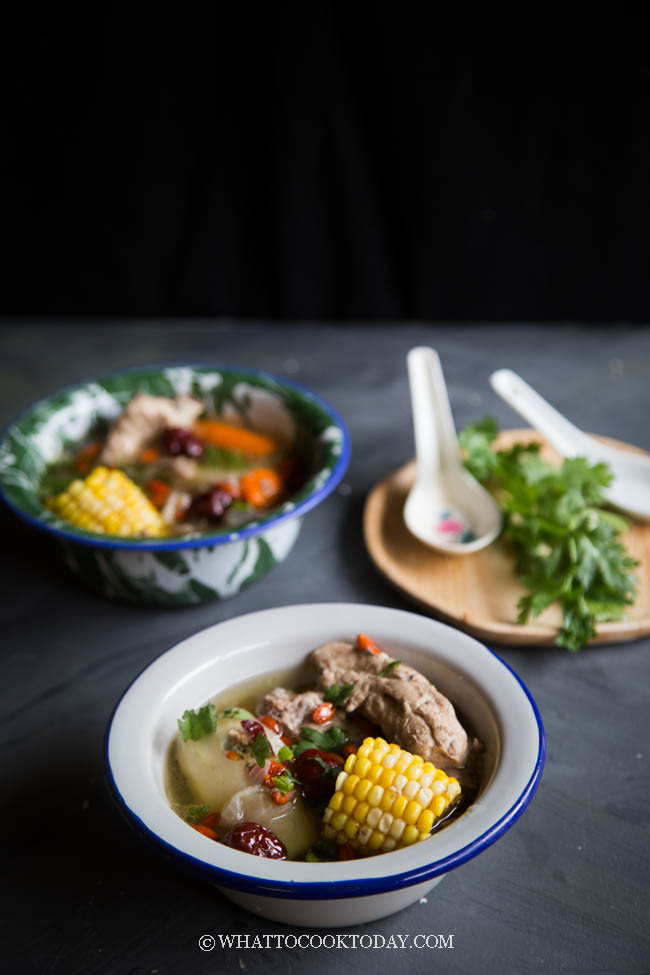 Chinese Sweet Corn Pork Ribs Soup