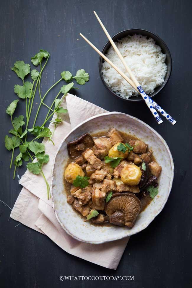 Pressure Cooker Tau Yu Bak - Babi Kecap (Braised Pork in Soy Sauce)