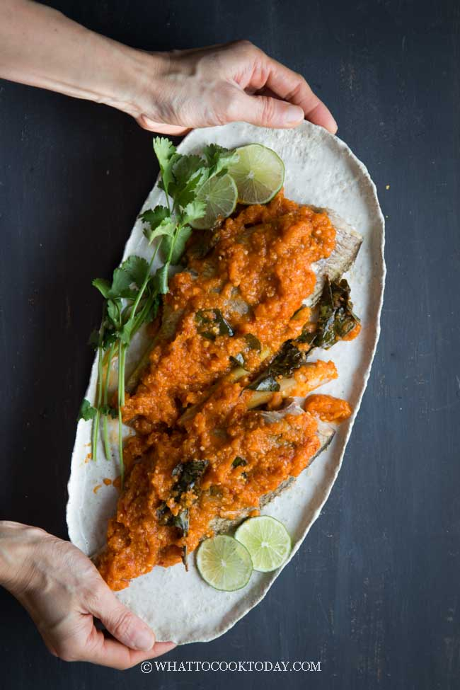 Ikan Bakar Bumbu Padang (Grilled Fish in Spicy Padang Sauce)