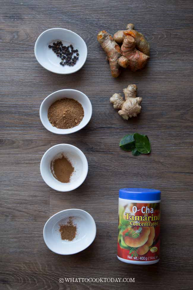 Indonesian Jamu Kunyit Jahe Asam (Turmeric Ginger Tamarind Juice)