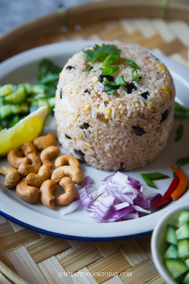 Easy Thai Salted Black Olive Fried Rice (Kao Pad Nahm Liap)
