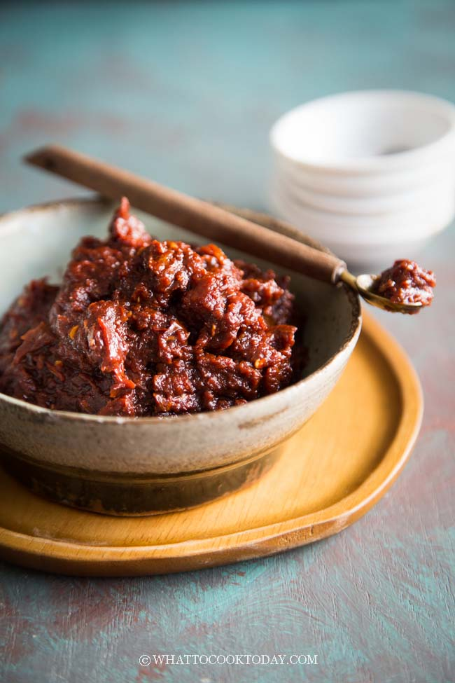 How To Make Easy Sambal Goreng Terasi / Belacan (Fried Shrimp Paste Sambal)