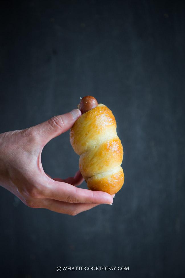Tangzhong Chinese Sausage Buns (Hong Kong Style)