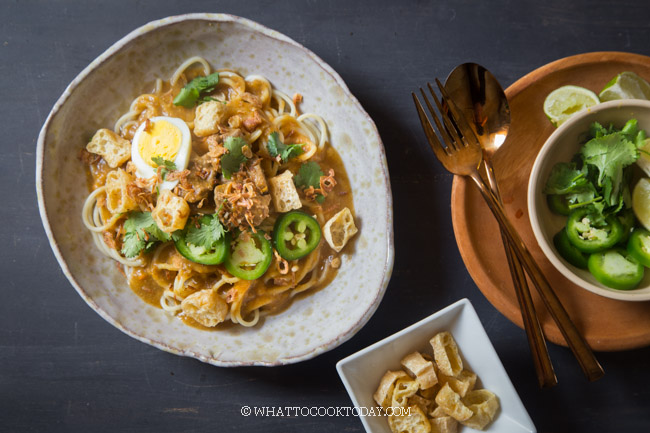 Malay Hawker-Style Mee Rebus (Noodles in Sweet Potato Gravy)