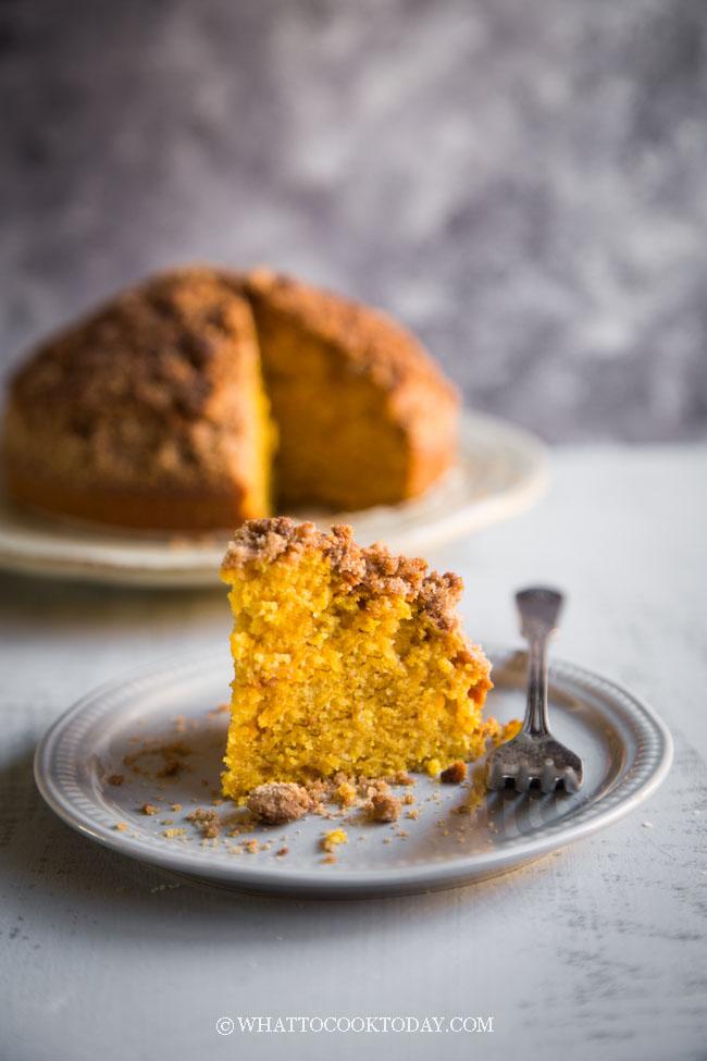 Easy Air-Fryer Pumpkin Walnut Cinnamon Crumb Cake