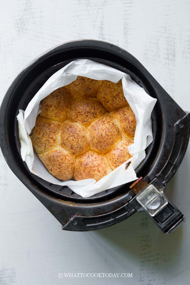 Super Easy and Quick Air-Fryer Gluten-Free Cheese Bread (No Yeast)