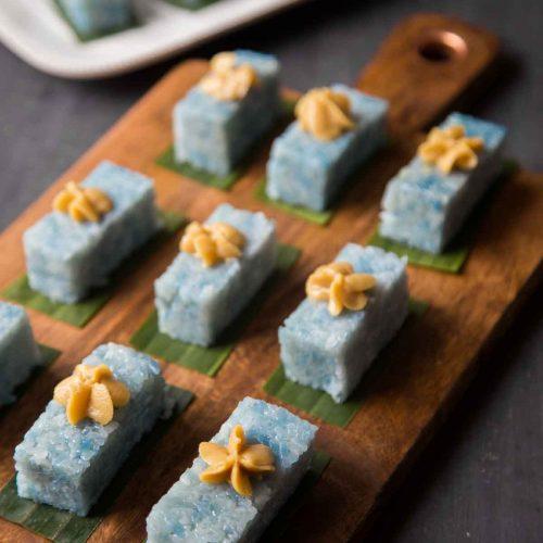 Pulut Tai Tai / Pulut Tekan (Pressed Glutinous Rice Cake with Kaya Jam)
