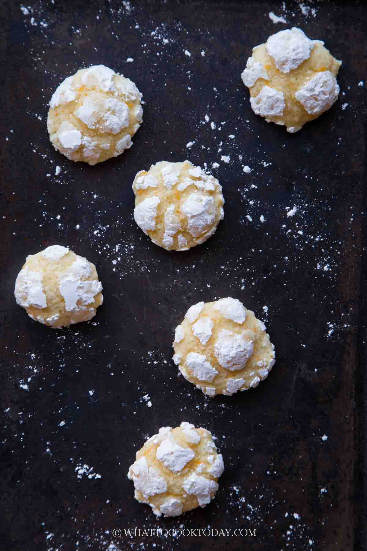 Sweet and Savory Cheddar Cheese Crinkle Cookies