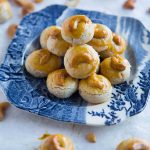 Melt-In-Your-Mouth Cashew Nut Cookies (Chinese New Year)