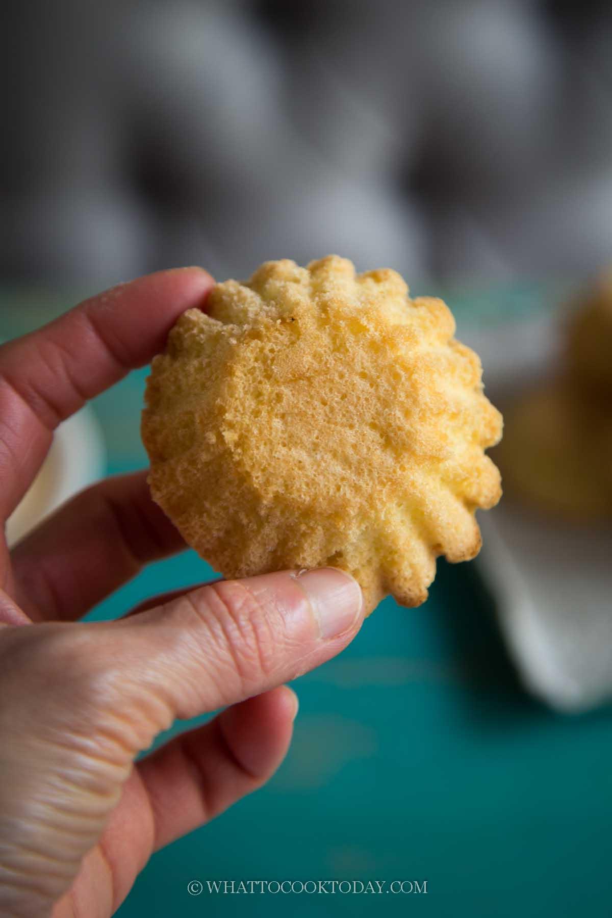 Kuih Bahulu (Mini Egg Sponge Cake/Asian Madeleines)