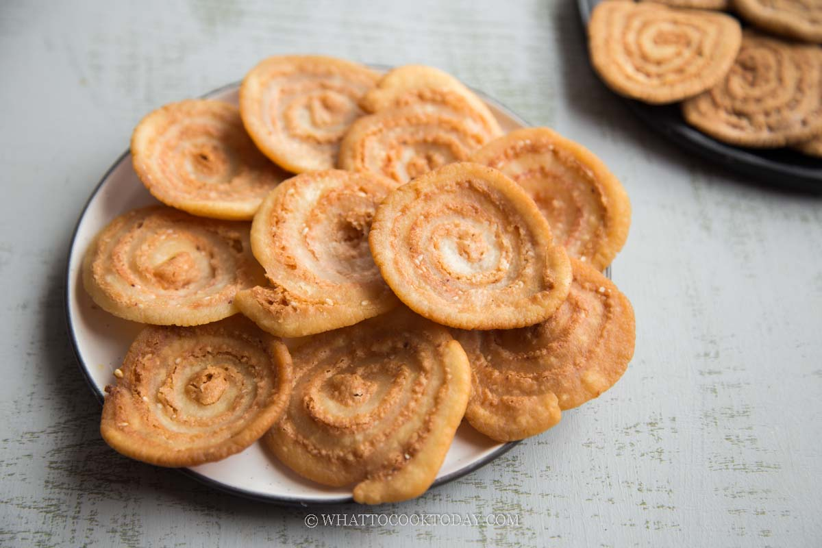 Chinese Cow's Ear Cookie/Biscuit