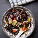 Easy Chinese Dried Seaweed and Pork Soup