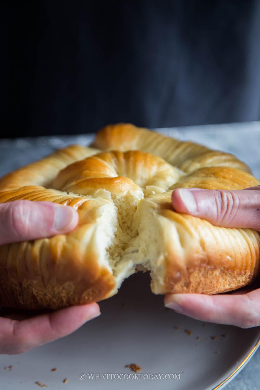 Wool Roll Bread with Char Siu Filling