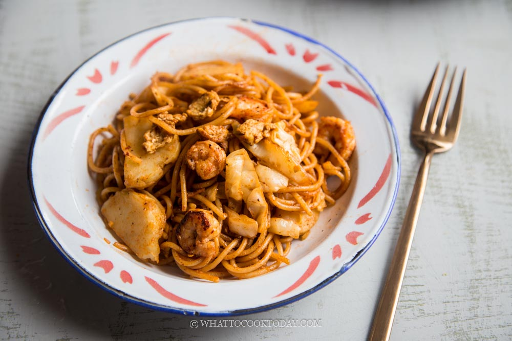 Mee Goreng Mamak (Indian-style Fried Noodles)