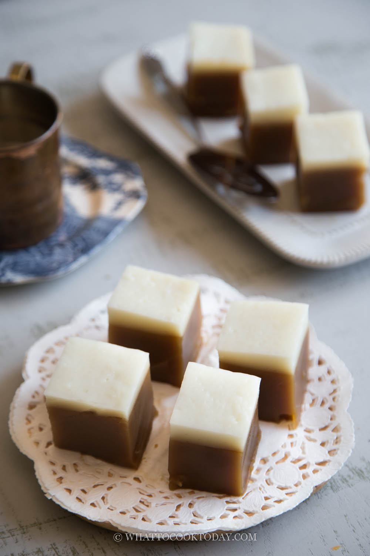 Kuih Talam Gula Merah/Gula Melaka (Steamed Palm Sugar Cake)