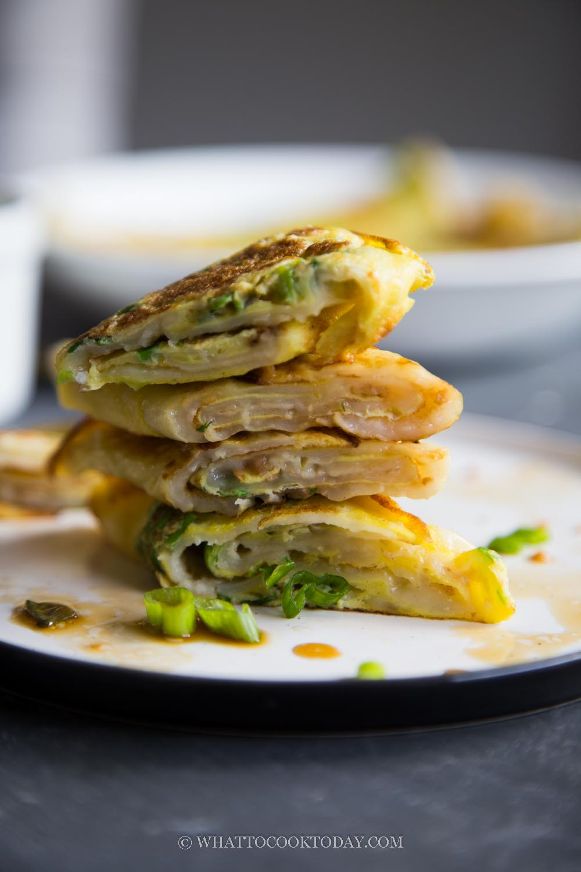 Easy Taiwanese Dan Bing (Egg Crepe Roll)