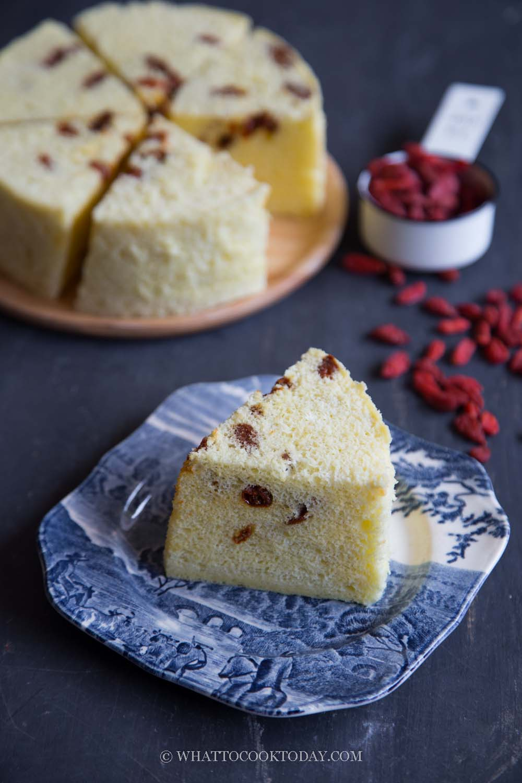 No-Bake Chiffon Cake with Goji Berries