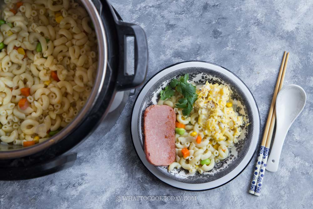 Hong Kong-Style Macaroni Soup (with Spam and Scrambled Eggs)