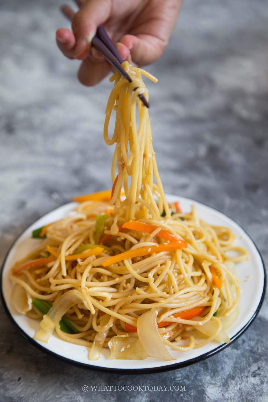 Super Easy Indo-Chinese Hakka Noodle