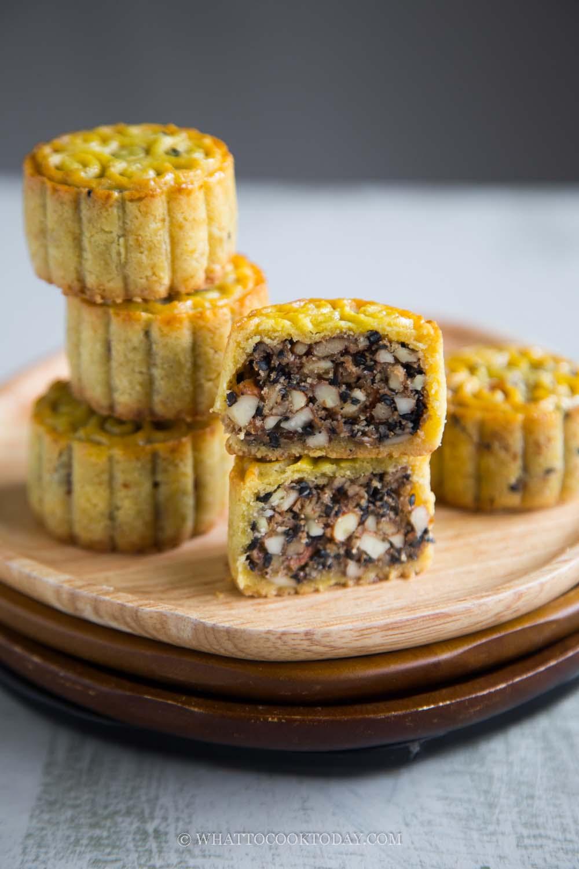 How To Make Easy Keto Gluten-Free Mooncake