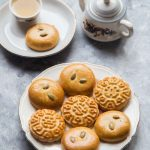 Easy Chinese Mooncake Biscuits / Doll Biscuits 公仔饼 (No Golden Syrup)
